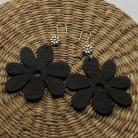 Kolczyki czarne kolczyki kwiaty,lekkie,drewniane